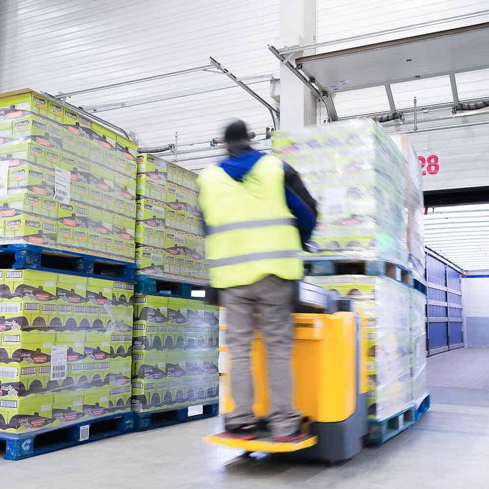 Höchste Qualität - auch beim Verladen der Waren. | The highest quality standards – including when loading the goods.