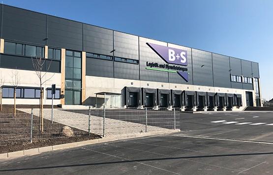 27.500 m² temperierte Logistikflächen bietet der Standort von B+S in Herford.