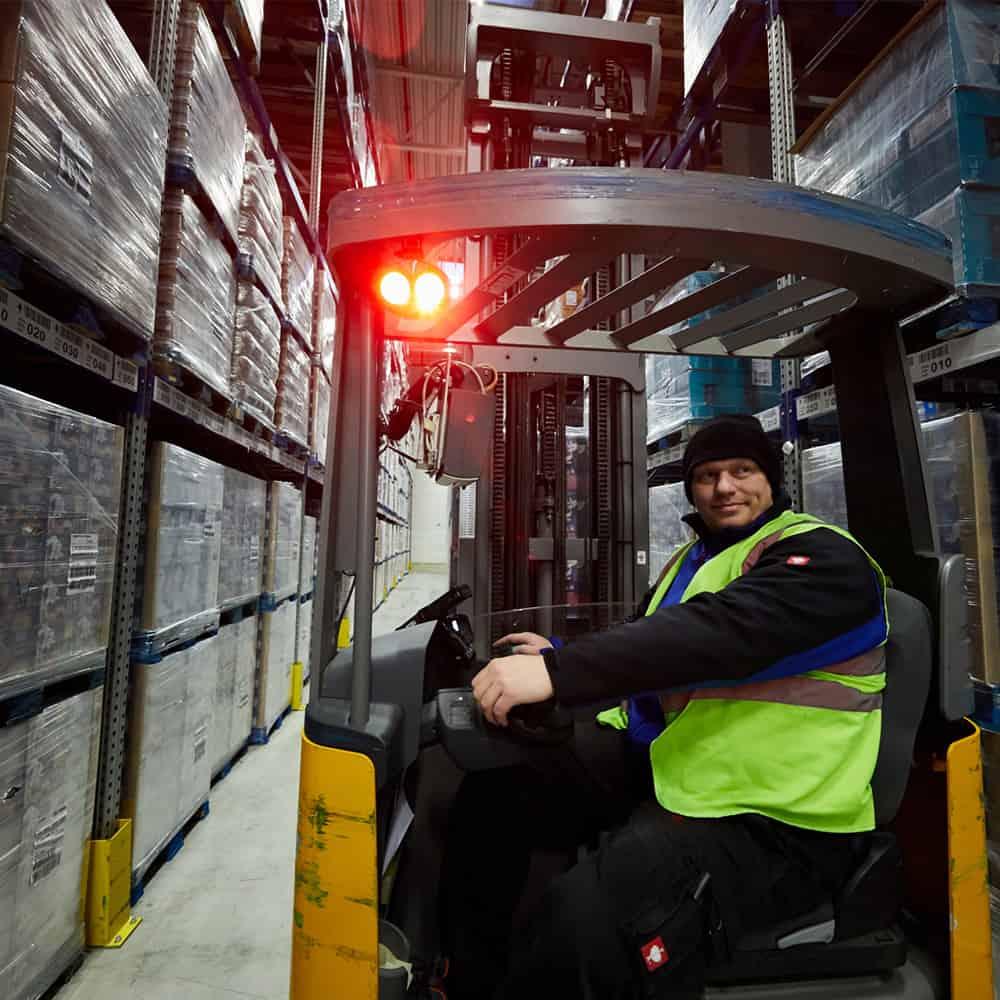 Sicherheit im Lager geht bei B+S vor.   Safety in the warehouse is priority number one at B+S.