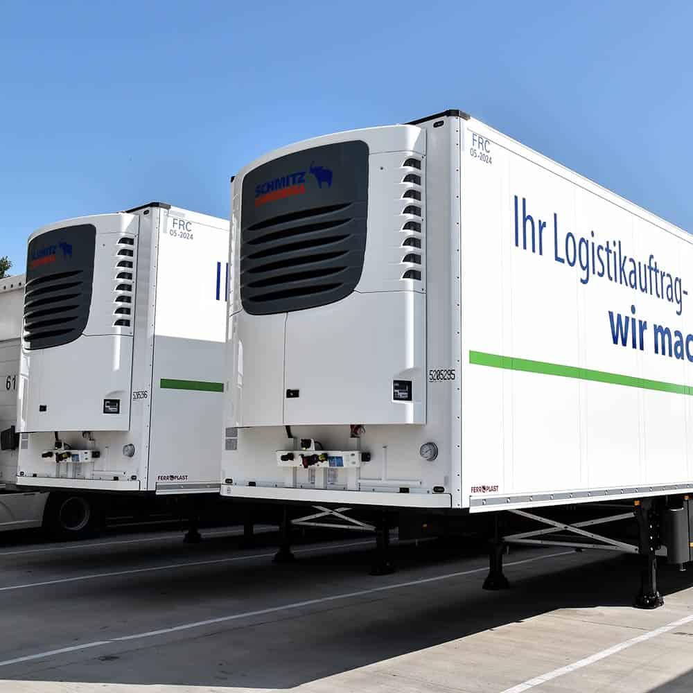 B+S bleibt auch bei Kühltransporten cool: Kühlaufleger garantieren temperaturgeführte Transporte. | B+S stays cool where refrigerated loads are concerned: refrigerated semitrailers guarantee temperature-controlled conditions.