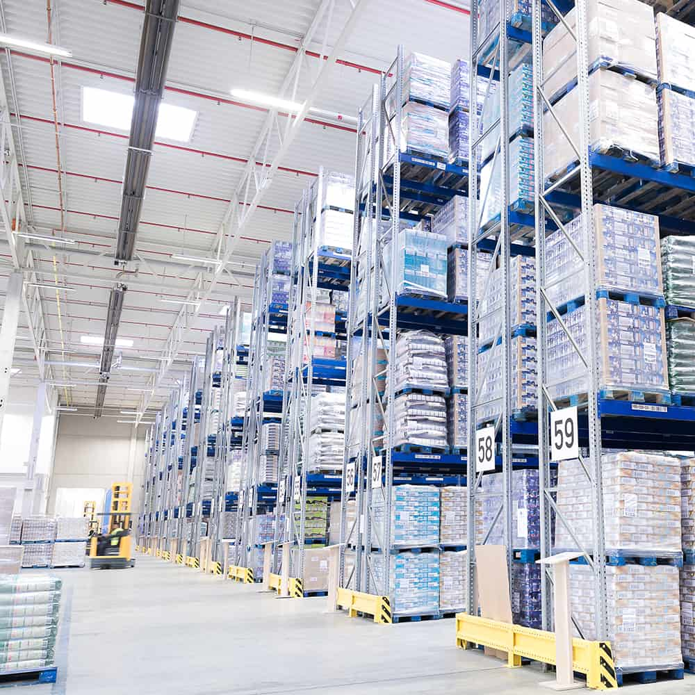 Moderne Lagerlogistik mit IFS-zertifizierten Lagern.   Modern storage logistics with IFS-certified warehouses.