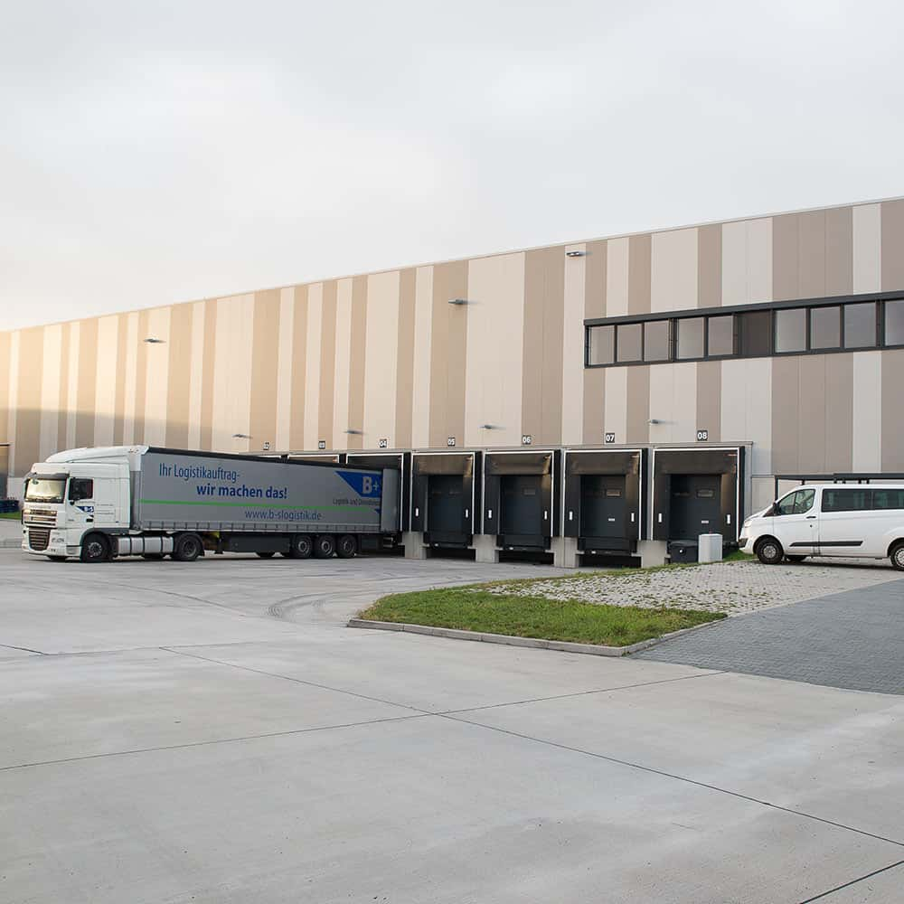 In Eppertshausen steht Kunden von B+S eine Gesamtlogistikfläche von 21.000 m² zur Verfügung. | In Eppertshausen, B+S customers have a total logistics area of 21,000 m² at their disposal.