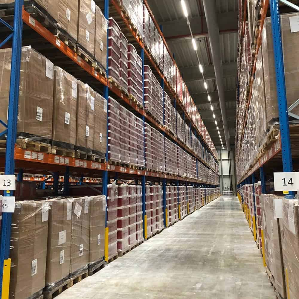Temperierte Logistik- und Lagerflächen am B+S-Standort in Ulm.   Temperature-controlled logistics and storage areas at the B+S facility in Ulm.