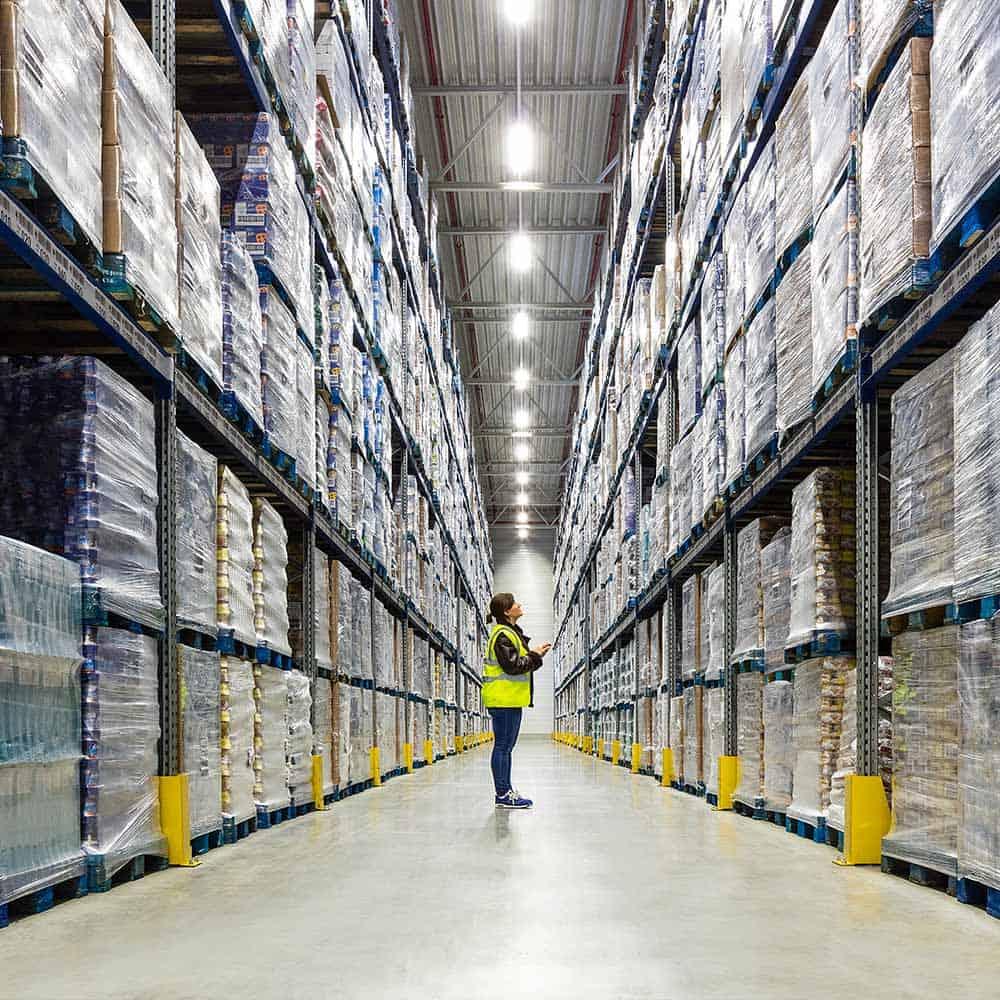 Qualitätskontrolle und Qualitätsmanagement für hochwertige Logistikdienstleistungen von B+S. | High-quality logistics services from B+S, with quality control and quality management.