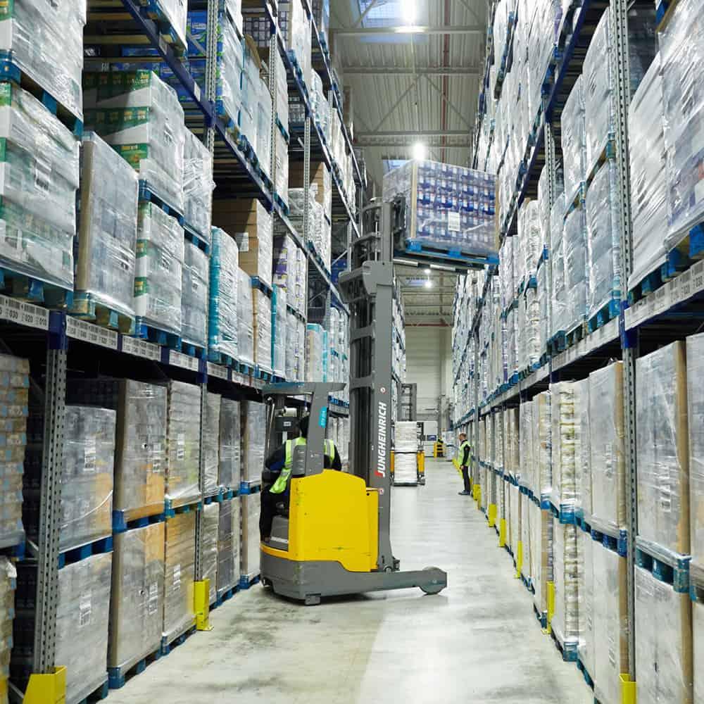 Rundum-Service aus einer Hand vom Kontaktlogistiker B+S. | All-round service from a single source, from contact logistics provider B+S.