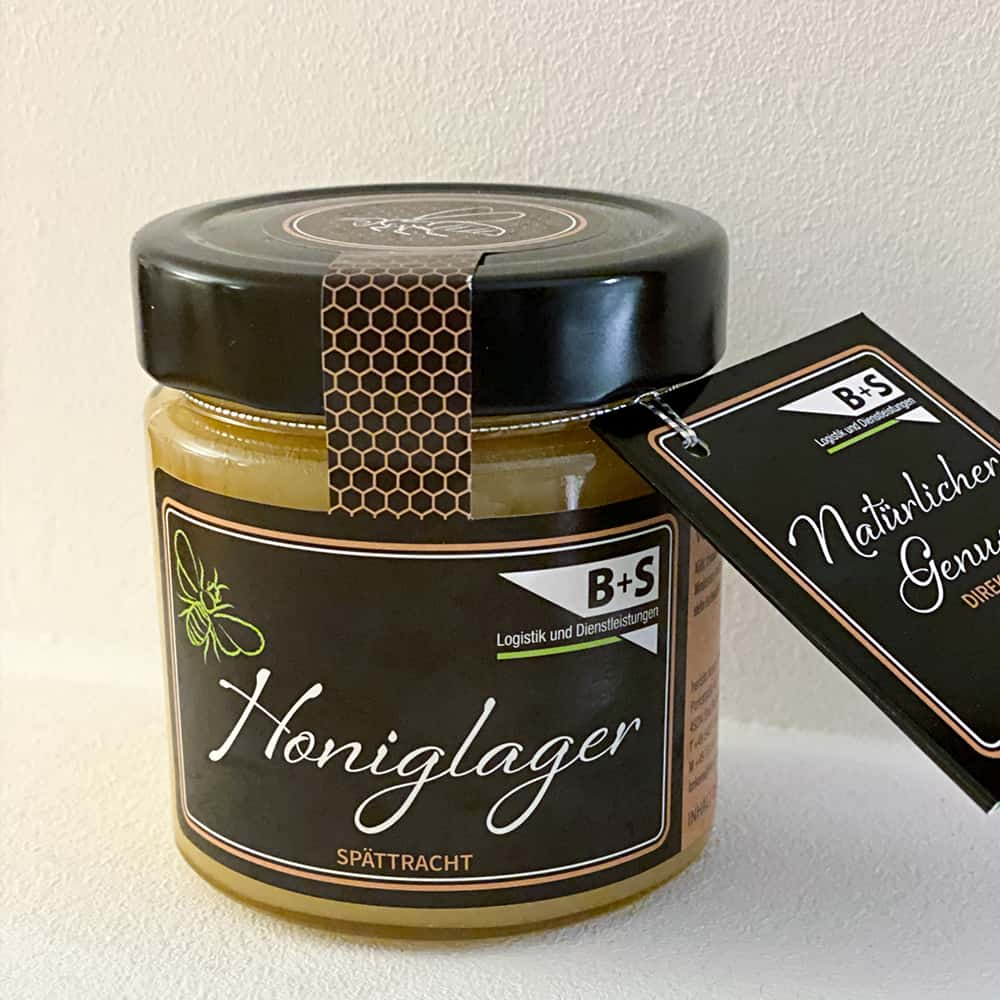 Natürlicher Genuss mit dem Honiglager von B+S. | A natural delicacy from the B+S honey warehouse.