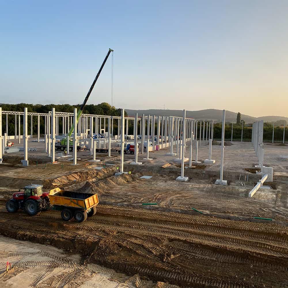 Von der Planung bis zur Bewirtschaftung: B+S kümmert sich um neue Standorte.   From planning to management: B+S takes care of establishing new facilities.