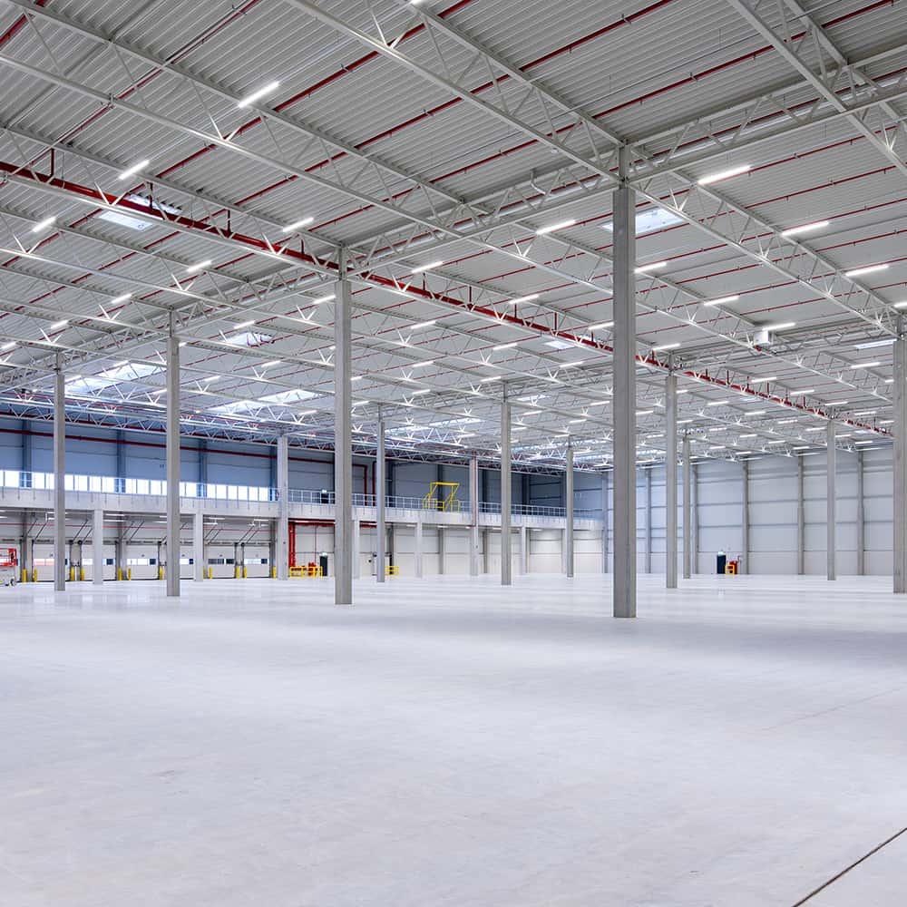 30.000 Quadratmeter Logistikfläche überzeugen User bei B+S in Bremen.   30,000 square meters of logistics space impress users at B+S in Bremen.