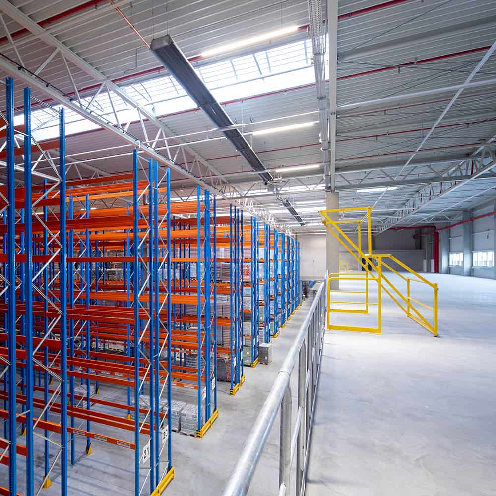 Blick in das Innere eines frisch von B+S erschlossenen und gebauten Logistikstandorts.   View into the interior of a logistics facility that has just been developed and constructed by B+S.